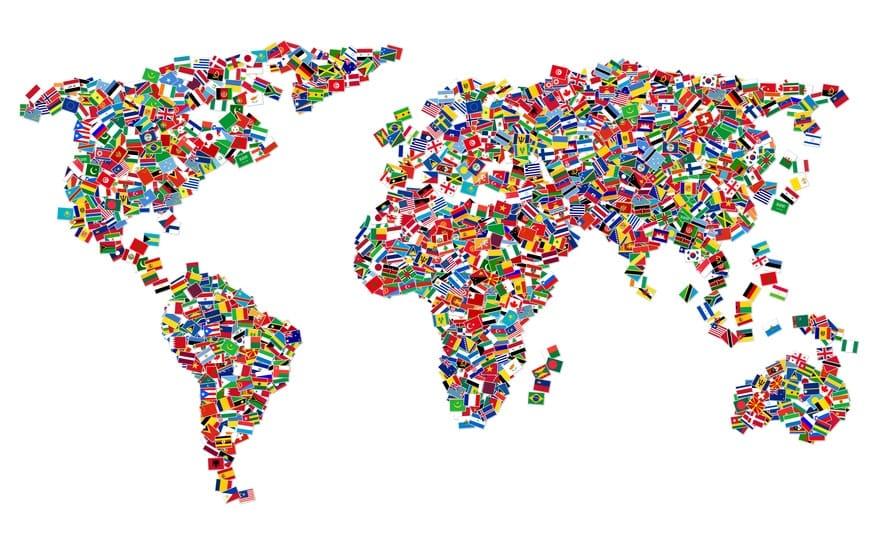 nternationales SEO - Weltkarte aus Flaggen (© Designer_Andrea / Fotolia)
